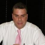 SZV interim directeur Glen Carty. Foto Pearl FM