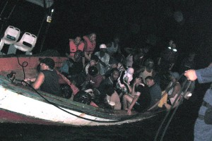 Een boot met illegale immigranten uit Venezuela is aangehouden door de kustwacht - archieffoto: Kustwacht