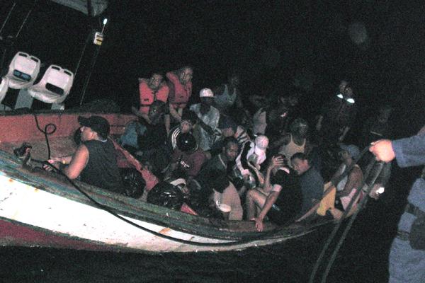 http://caribischnetwerk.ntr.nl/files/2015/06/illegalen.jpg