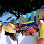 De Venezolaan Antonio Rebolledo ziet meer Venezolanen om zich heen, op zoek naar handel - foto: Anneke Polak