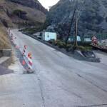De waterleiding wordt langs de Fort Bay Road  aangelegd - foto: Hazel Durand