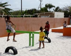 Kinderen spelen tijdens naschoolse opvang bij buurthuis Antriol - foto: Janita Monna