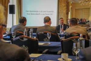 Politici en zakenlieden uit verschillende Koninkrijksdelen blikken in het Amstel Hotel terug op de onderlinge samenwerking sinds 10-10-10 - foto: John Samson