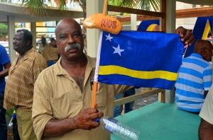 'De vlag halfstok, het gaat om ons brood'  Foto: Dick Drayer