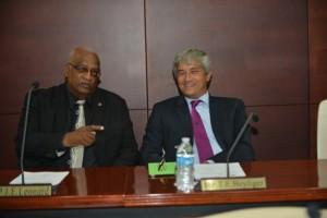Links Johan Leonard, naast UP-leider Theo Heyliger - foto: Today / Milton Pieters