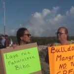 Het protest tegen Green Corridor blijft bij eenmansacties - foto: Sharina Henriquez