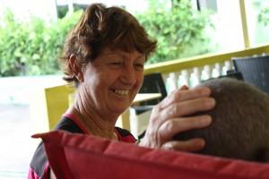 Mimi Smit bezoekt haar man elke dag in Kas Hugenholtz - foto: Anneke Polak