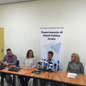 Functionarisen van Directie Volksgezondheid en GKMB gaven gisteren een persconferentie over de bestrijding van zika op Aruba. Foto: Ariën Rasmijn