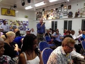 Het forum werd woesndagavond goed bezocht - foto: Hazel Durand