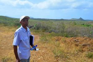 Norwin Ferero op de voormalige plantage Malpais | Foto: Dick Drayer
