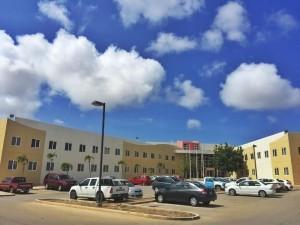 Het gebouw van de Dienst Openbare Werken en Directie Infrastructuur en Planning. Foto: Ariën Rasmijn