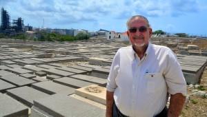 Rene Levi Maduro, bij de begraafplaats Sefardisch Joodse begraafplaats Beth Chaim | Foto: Dick Drayer
