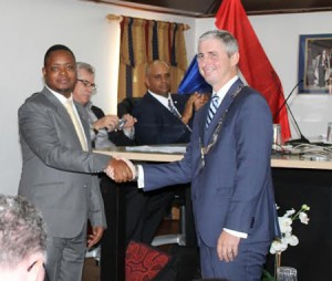 Wilson benadrukte tijdens de inauguratie dat hij een goed relatie met de oppositie belangrijk vindt. Foto: Hazel Durand