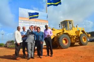 Toast op de aanleg van een derde windmolenpark op Curaçao | Foto: Dick Drayer