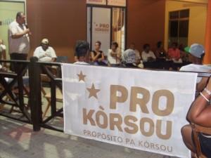 Bijeenkomst op het hoofdkwartier van Pro Kòrsou – foto: Jose Manuel Dias