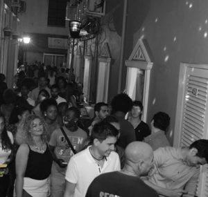 De nachtclub is de komende weken gesloten - foto: The Alley