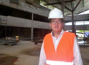 Dr. Peter Bosman van Usona/Berenschot in de centrale hal van HNO | Foto: Dick Drayer