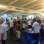 Enkele tientallen mensen kwamen naar het openbare evenement op maandag – foto : Gijs van den Heuvel
