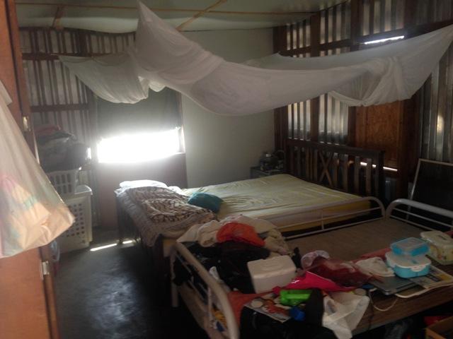 Slaapkamer Zonder Ramen : Zonder stroom en water in een huisje van ...